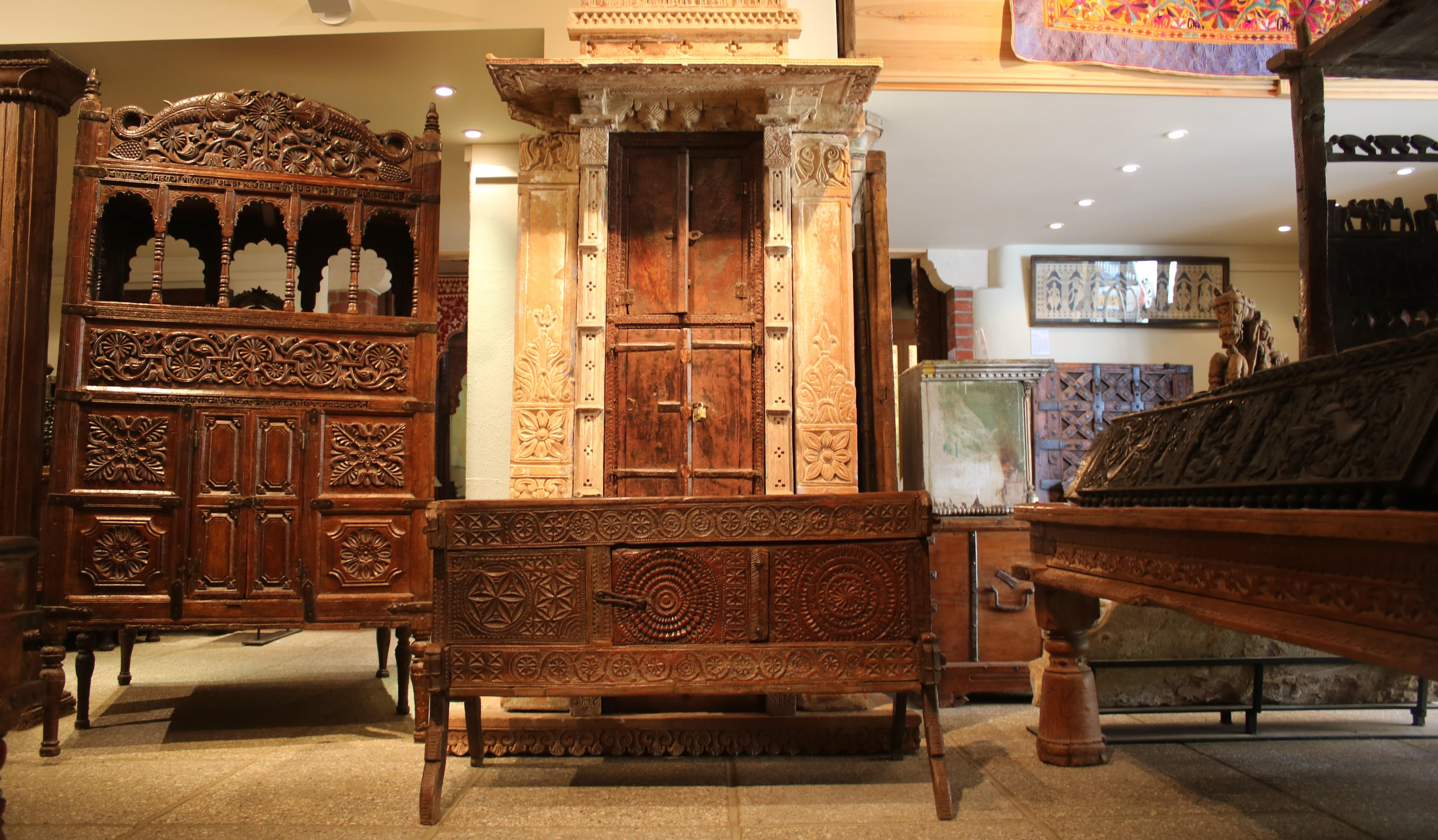 South Asian Decorative Arts and Crafts